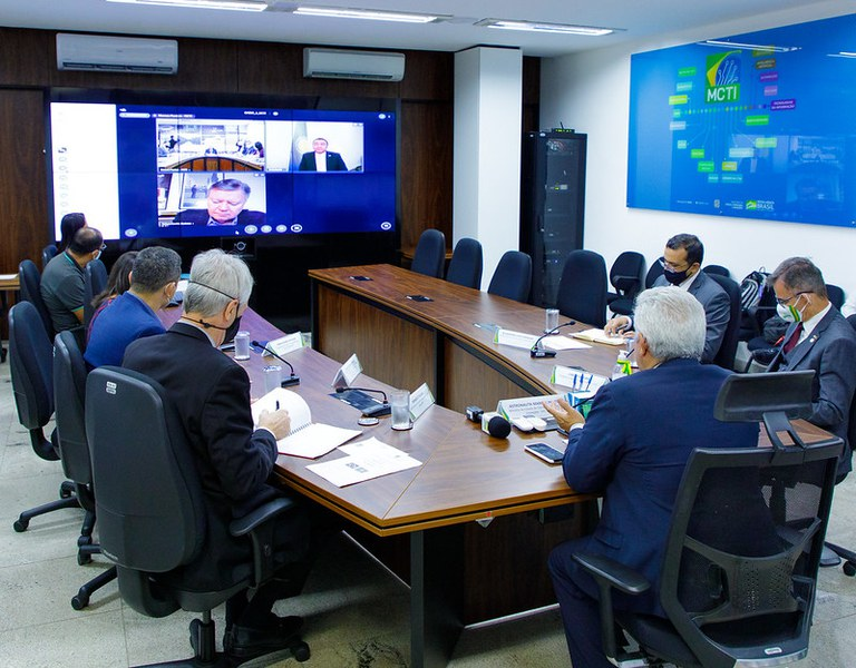 Brasil e Cazaquistão discutem cooperação nas áreas espacial e tecnológica